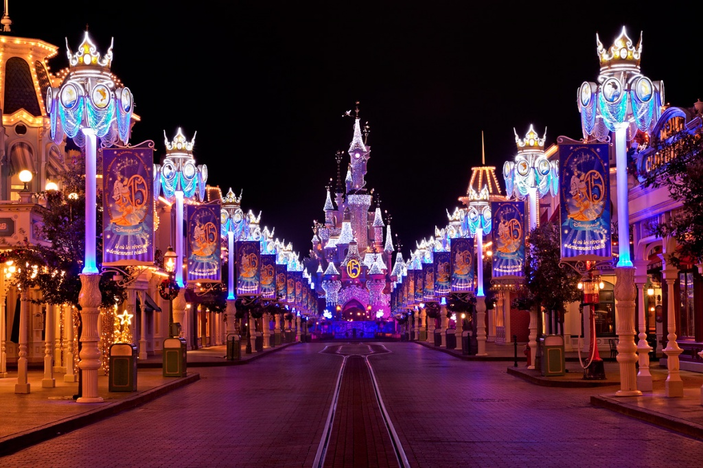 disneyland-paris-main-street.jpeg